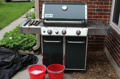 How to Clean and Maintain a Gas Grill  feat. a mighty fine Weber Grills