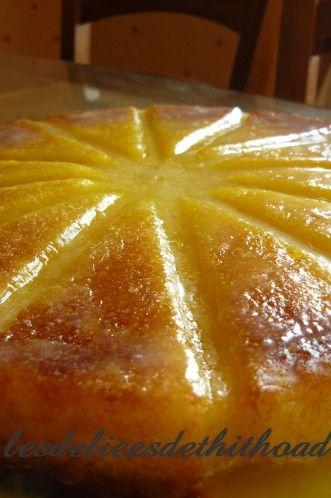 Bonjour! c'est un gâteau bien fondant que je vous propose, à l'orange en plus, à manger de préférence à la cuiller! une recette que j'avais mise de côté en .....2011 sortie d'un HS de cuisine actuelle. 4 oranges bio 6 oeufs 200g de sucre 40g de maizena...