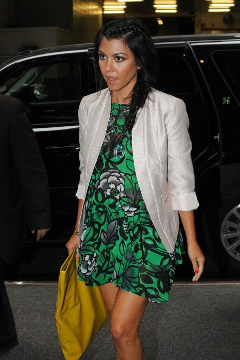 Kourtney Kardashian / love her preggo style #maternity street style