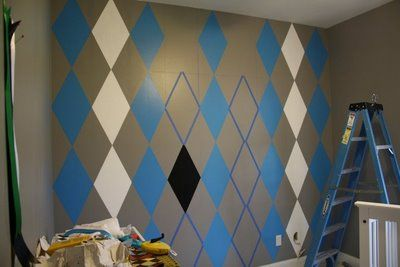 How To Paint An Argyle Wall - Design Dazzle