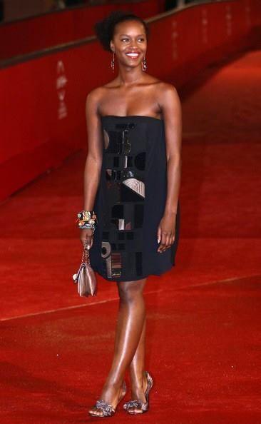 #FemmesDesTropiques • Fatou N'Diaye, Actrice sénégalaise, née à Saint-Louis. l Lire son histoire ici: http://www.tropicsmagazine.fr/article-femmes-des-tropiques-fatou-n-diaye-101485435.html