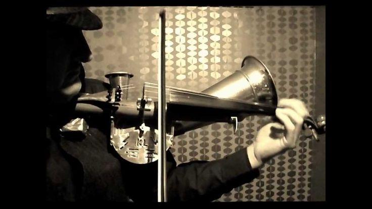 """Stroh Violin """"Le grand blond""""  by Le Violon Voyageur"""