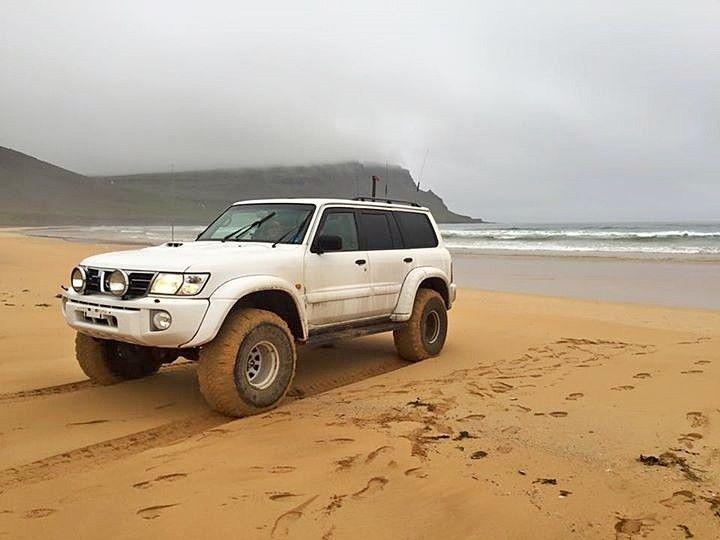 Nissan Patrol Gr Y61 in the beach