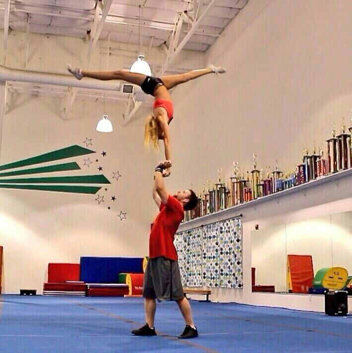 Cool cheer stunt!!