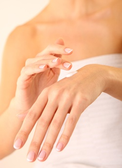 Anti-age your hands with the Sh'Zen Perfecting Cream SPF 30 http://www.shzen.co.za/hands_moisturising.php