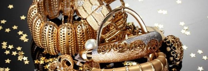 The Best Ways To Clean Gold Jewelry