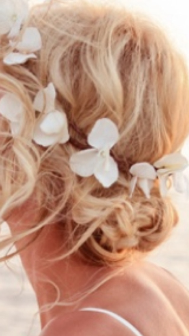 Wedding hair, beached wedding