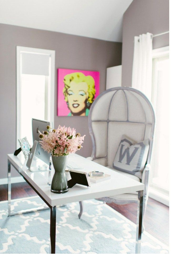 PHOTOS: 10 Feminine & Chic Office Spaces to Swoon Over