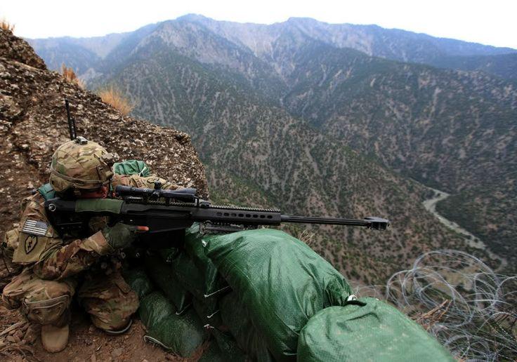 Soldado del US Army 27 th Infatry con un Barret M-82. afganistan