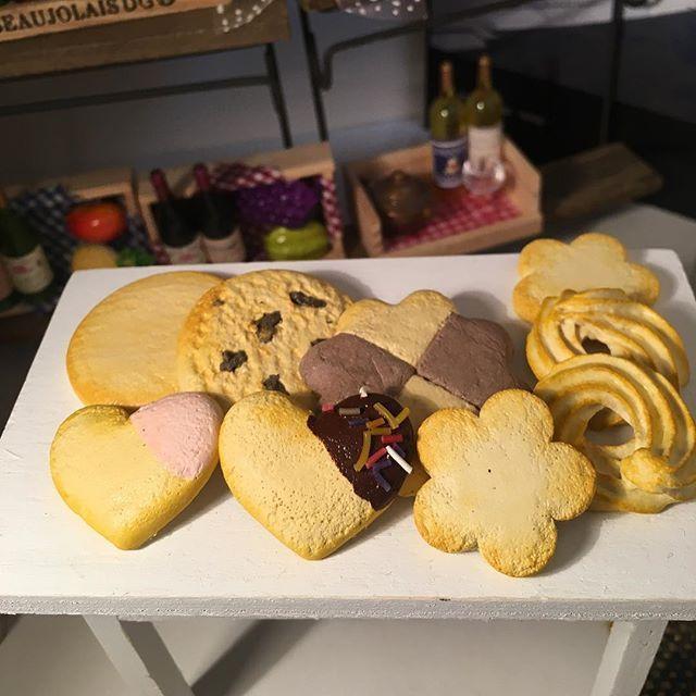 #craful2017スイーツモチーフコンテスト に応募させていただきます(๑>◡<๑)✨✨紙粘土のクッキーです( ´ ▽ ` ) あみぐるみ用の小さめグッズを作りました。 #紙粘土 #クッキー #craful