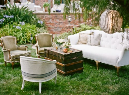 If only I lived in a place where I could have an outdoor living room.