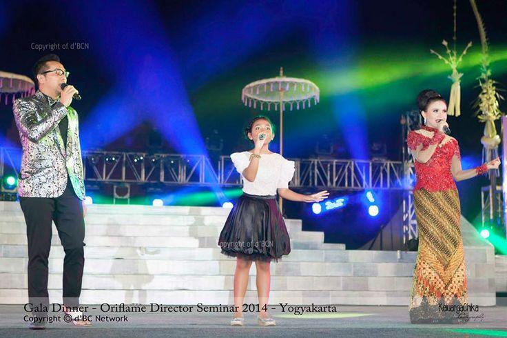 Kolaborasi Sammy, Woro & Rosa yg ciamik... — at Candi Prambanan.