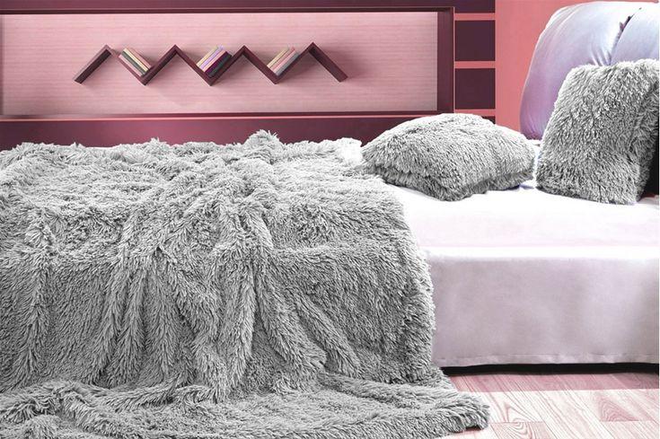 Šedý plyšový přehoz, deka na postel