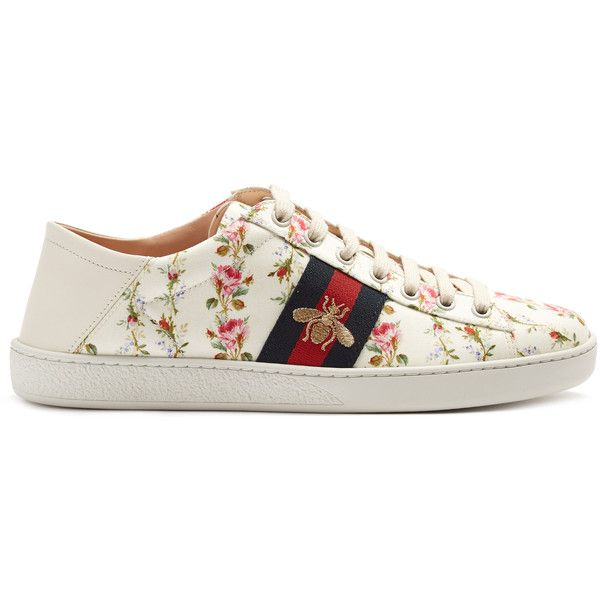 Gucci New Ace rose-print foldable-heel canvas trainers (€530) ❤ liked on Polyvore featuring shoes, sneakers, pink white, pink shoes, backless sneakers, gucci shoes, white canvas sneakers and white shoes