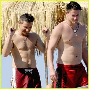 Would you look at that, my brain just melted.  Channing Tatum & Jeremy Renner: Shirtless Studs