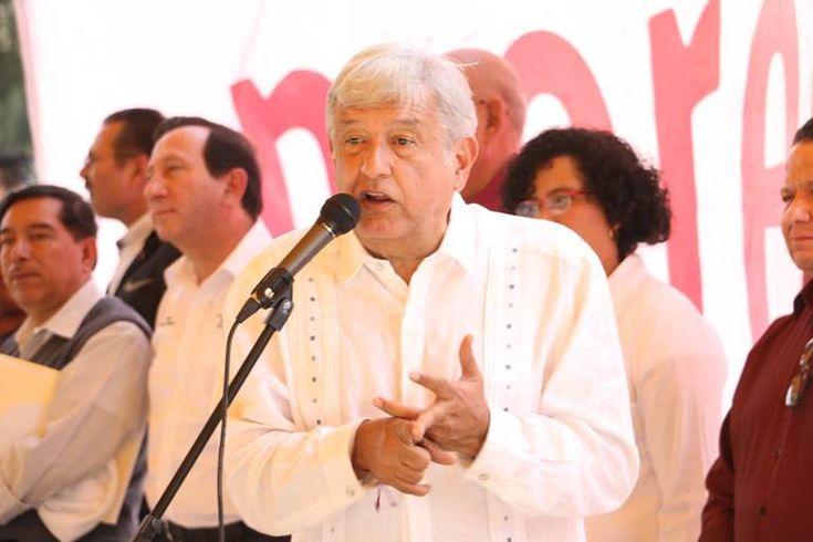 El precandidato de Morena a la Presidencia de la República, Andrés Manuel López Obrador, prometió aumentar al doble las pensiones para los adultos mayores de todo el pa&iac...