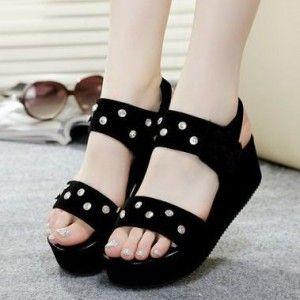 Sepatu Mira Wedges Aksen Permata