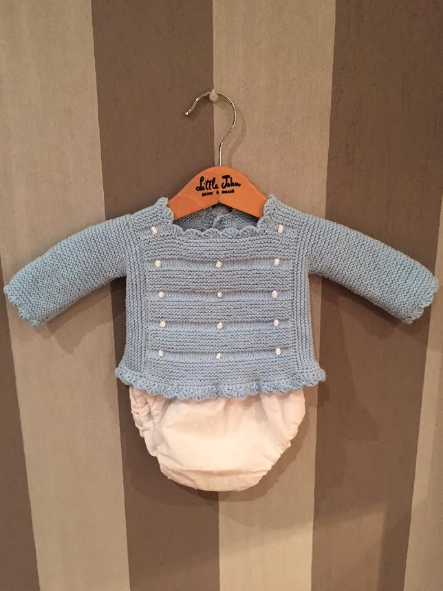 Square baby sweater. Embroidered bobbles ~~ Little John-Hecho a mano: CONJUNTO BODOQUES