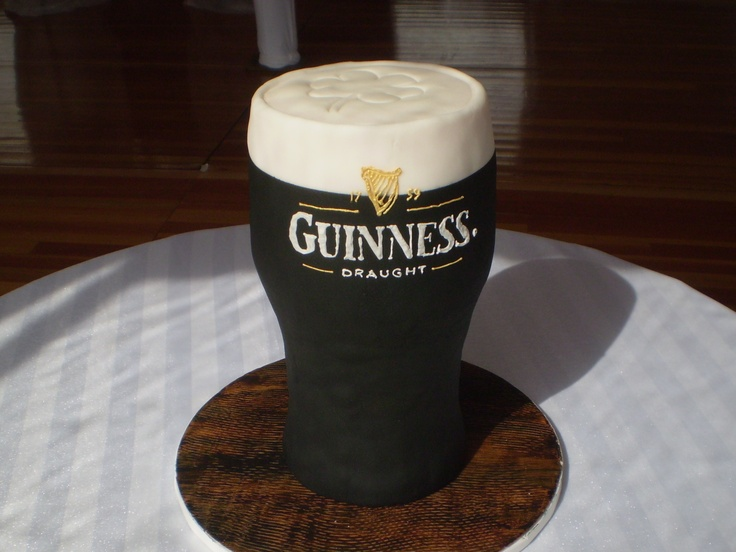 Grooms cake : Any one thirsty for a pint of Guinness
