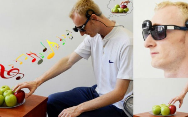 EyeMusic is a set of glasses that translates images into music for the blind.Eyemus Translation, Disabilities, Glasses, Convertible Image, Blinds, Accessible Technology, Music Helpful, Visual Impaired, Cameras