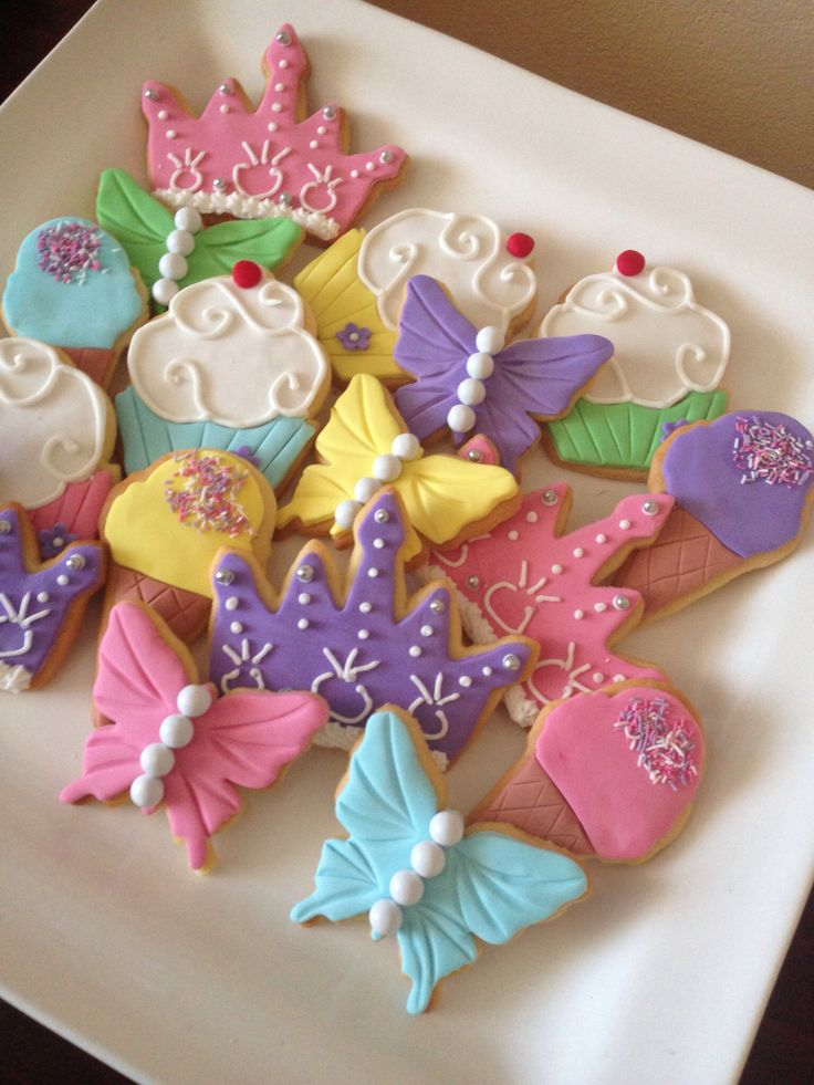 Buttery, cupcake and flower cookies