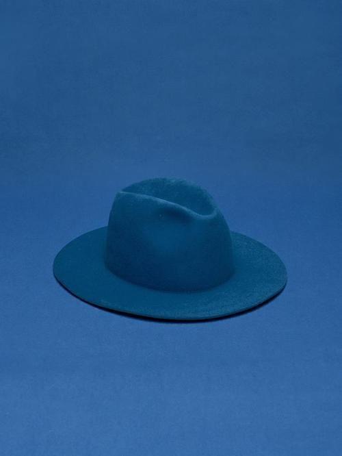 Aimez vous mon chapeau blue?