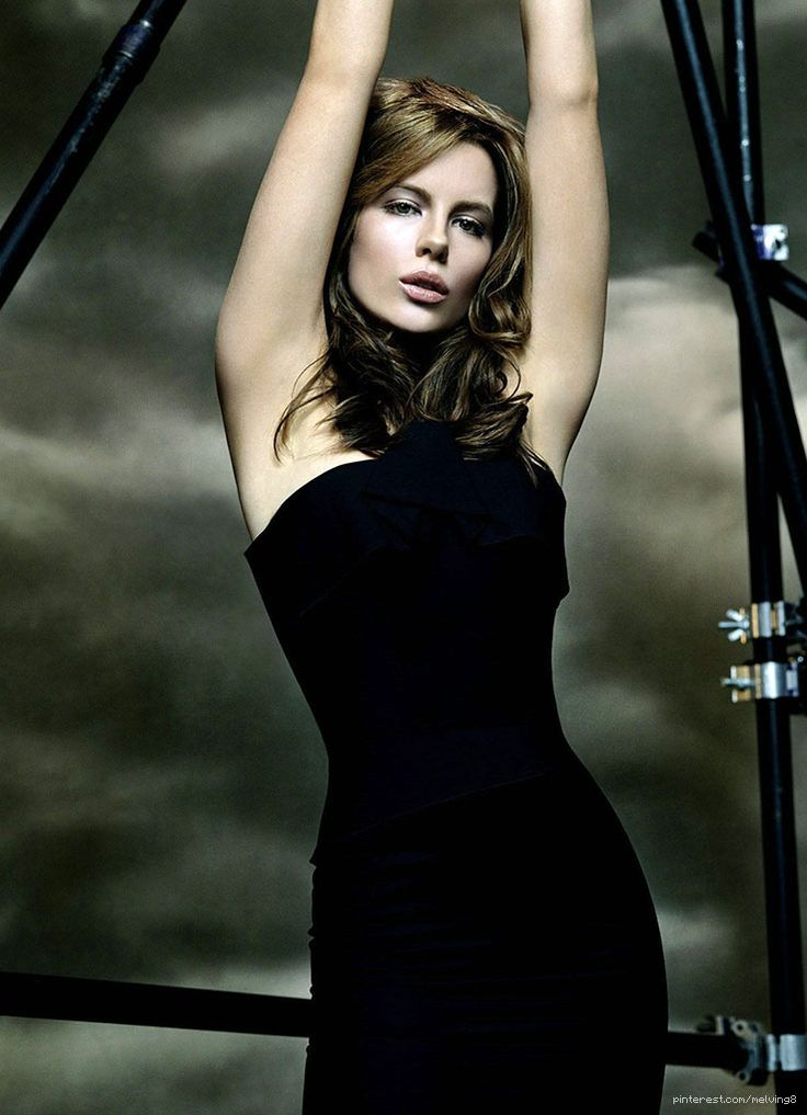 54 best actress kate beckinsale images on pinterest artists beautiful women and celebs - Kate beckinsale pool ...