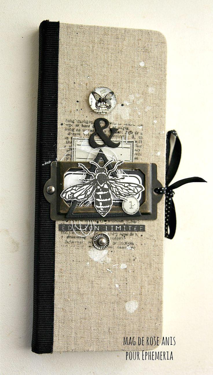 Tampon L'Encre & l'Image, carnet, galon adhésif noir, ruban à pois et cabochons Ephéméria by Mag de Rose Anis