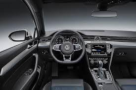 2015-Volkswagen-Passat-GTE_Interior