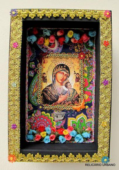 """""""Sou livre para o silêncio das formas e das cores."""" Manoel de Barros  Oratório de parede. Peça Única Possibilidade de encomendas com outros santos e em outros tamanhos, consulte. R$ 180,00"""