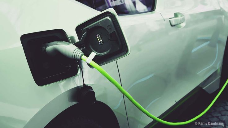 The UK government has announced that by 2040 new petrol or diesel powered cars will be banned from sale. It follows France's earlier decision to do the same. But what other options are on the transport table?