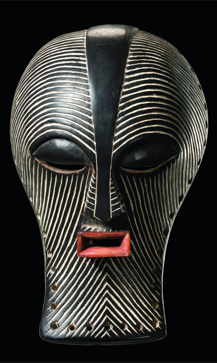 Africa | 'Kifwebe' mask from the Songye people of DR Congo | Wood, kaolin and…