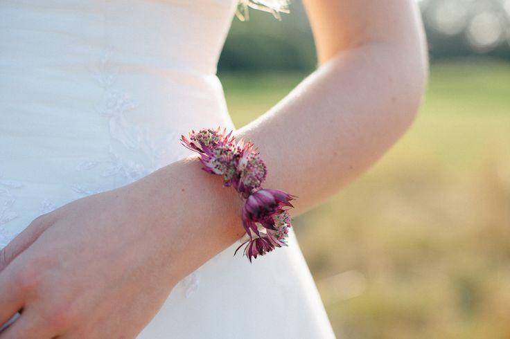 Blütenarmband