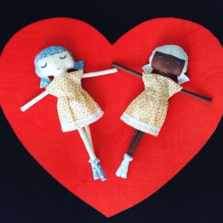"21 Likes, 4 Comments - Artisan of a Dream (@artisanofadream) on Instagram: ""New dresses for this little girls ""  #handmadedolls #handmadetoys #clothdoll #softdoll #sweetdolls #textiledoll #fabricdoll #cottondoll #ragdoll #lovelydolls #giftsforher #giftsforkids #christmasgifts #christmasgiftideas #birthdaygift #christmas2017 #docka #dockor #hanverkare #jul #julklappar #julklappstips #julpyssel #jul2017 #muñeca #boneca #dukke #bambola #baba #puppe #nukke #dukke #manija #boneka #pop #кукла…"