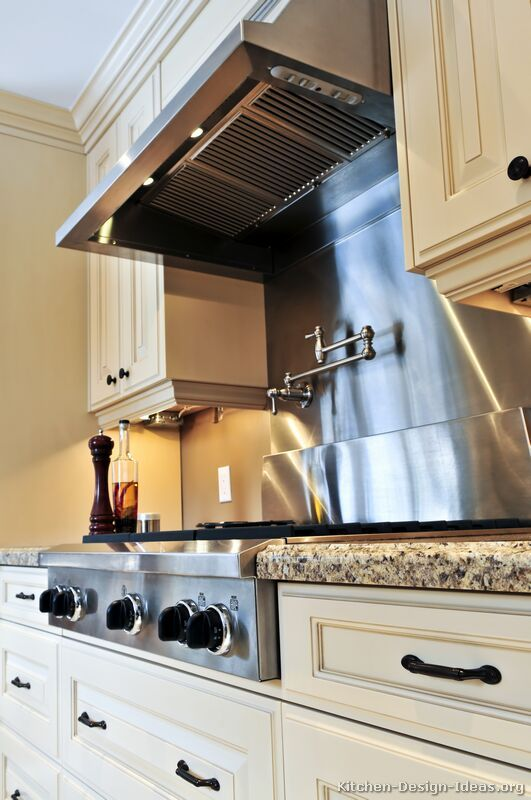 kitchen idea of the day stainless steel backsplash with a prostyle range