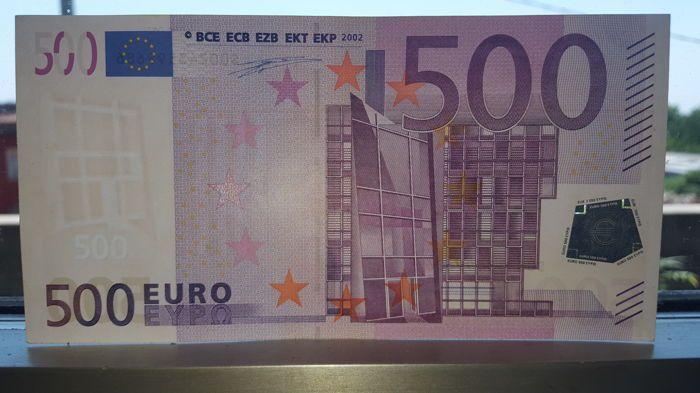 Europese Unie - Italië - 500 euro 2002 - Duisenberg - j001-met fout: watermerk onderbroken.  Bankbiljet bijna FDS van 500 euro j001d3 s00243599689Uiterst zeldzaammet fout: onderbroken WATERMERKFout: gebroken watermerk van biljet van 500 Euro j001Bijna FDC vanwege een kleine vlek en een klein teken zoals afgebeeld.  EUR 501.00  Meer informatie