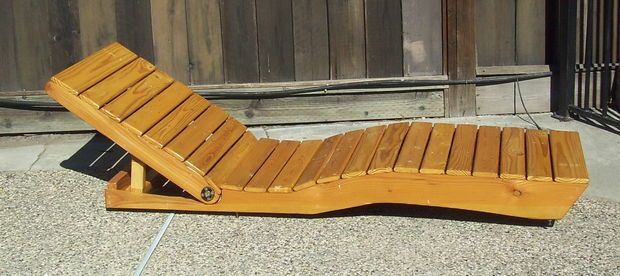 DIY, Picture of Outdoor Chaise Lounge made from Pallet Wood. http://www.instructables.com/id/Patio-Lounge-Chair-made-from-Pallet-Wood/