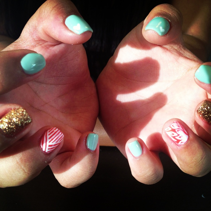 Summer shellac nails by Natalie IG@shellacqueen