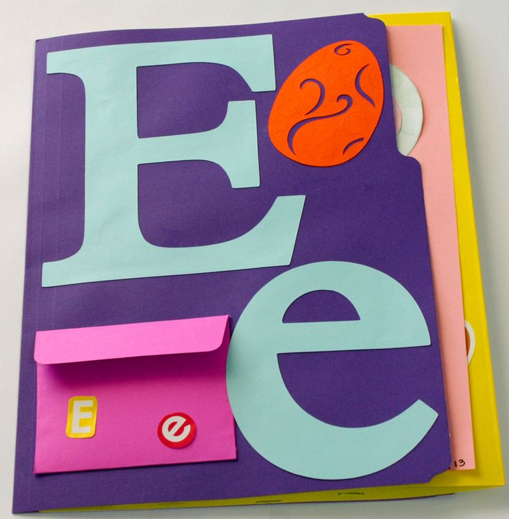 Preschool Alphabet Lapbooks We are on the Letter E!  M and I have had a lot of fun with these while she is learning her letters.  She is also practicing cutting, pasting, tracing and coloring.  She likes the alphabet and number worksheets from the 30 Minute A Day Learning System …Share this: