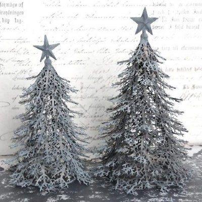 Så vacker julgran i zink med stjärna på toppen.  Höjd: 28cm