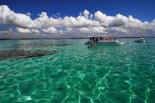 Costas de Maceió, y sus maravillosas aguas color turquesa. Próximo a la línea del Ecuador,