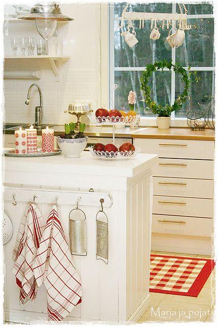 Christmas Kitchen  #Christmas #Kitchen #White #Home #Homedecor