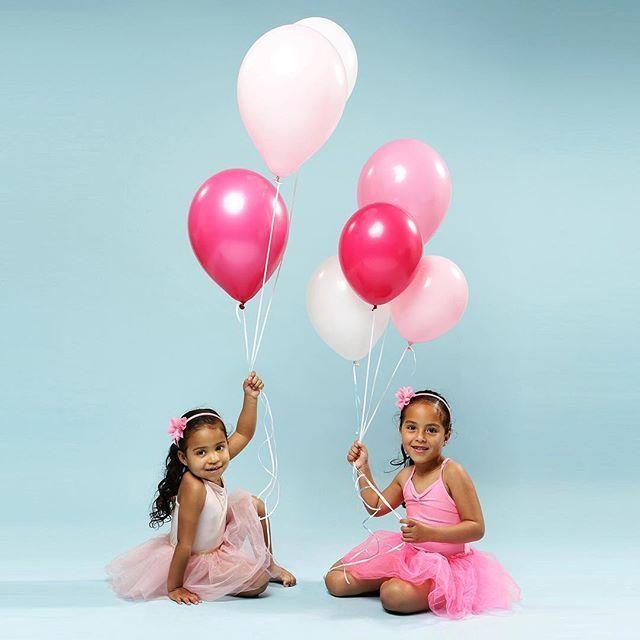 #Repost @dk_photography  #fotoshootfeestje #foto #fotoshoot #fotografie #kinderfotograaf #zusjes #lief #ballonnen #roze #tutu #ballerina