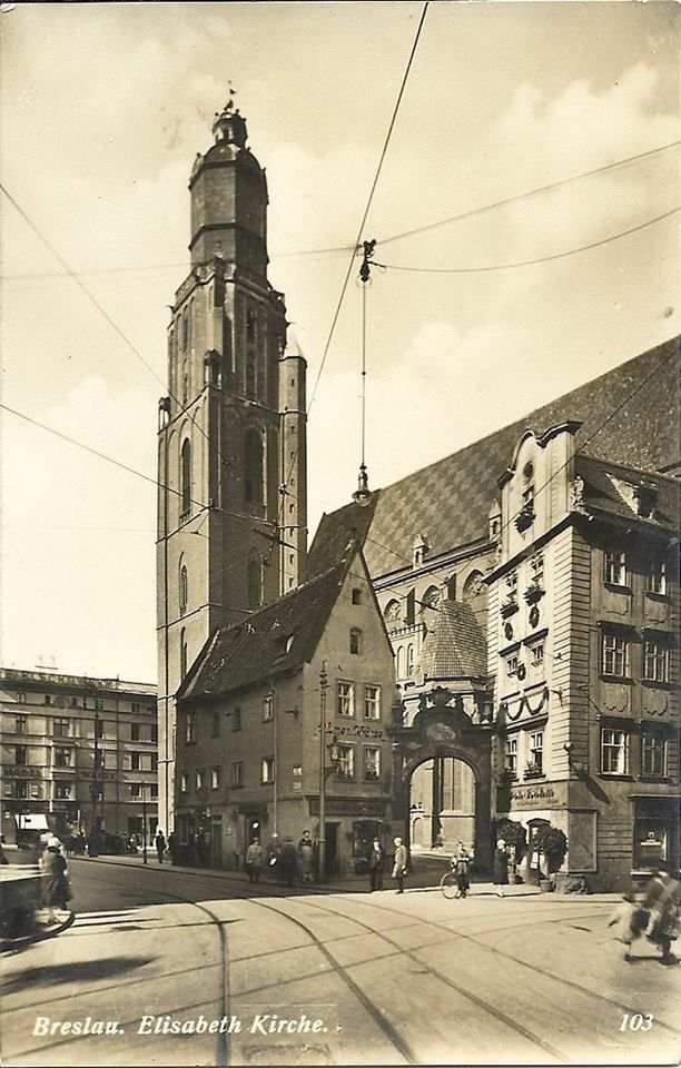 1900 r