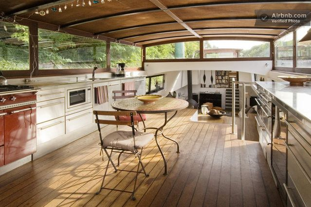 Stylish 3 bedroom Houseboat - Paris in Puteaux