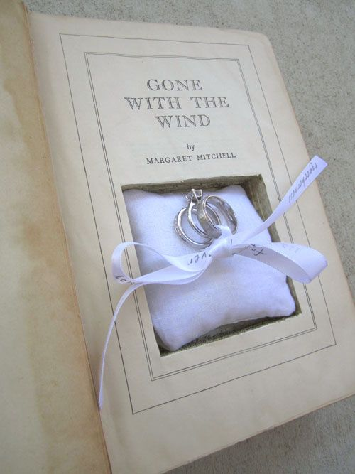 Hollowed Book Ring Box, this would be a perfect proposal idea for anyone proposing to me!