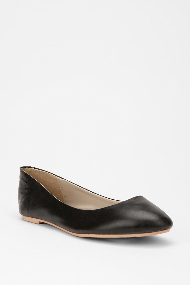 basic black flats - classy: Leather Flats, Leather Skimmer, Black Leather, Basic Leather, Birthday Wishlist, Black Flats, My Birthday, Basic Black, Skimmer 3400
