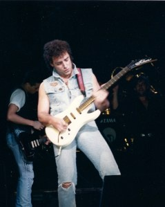 Neal Schon with Jimmy Barnes, Johnny Diesel at Brixton 1988: http://everyrecordtellsastory.com/2012/07/15/cold-chisel-and-jimmy-barnes-at-hard-rock-calling/