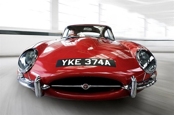 Sex on wheels - Jaguar E Type