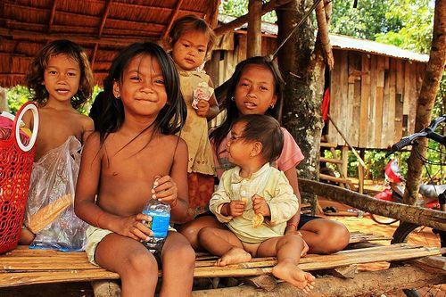 På denne rundrejse får I mulighed for at gå i dybden med landets kultur og historie. Start i Siem Reap med et fugleperspektiv af Angkor Wat fra en varmluftsballon. I vil også besøge lokale landsbyer, udforske mindre besøgte templer, og nyde en sejltur på Mekong floden. Slut turen af med lidt afslapning på de smukke og uspolerede strande ved Sihanoukville.